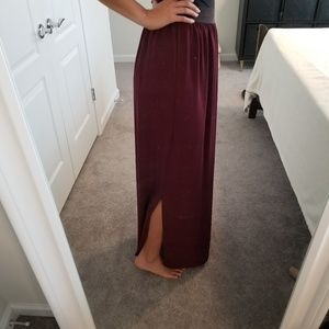 Francesca's maroon maxi skirt with small slit NWT